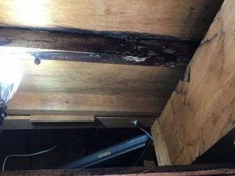雨漏りによる腐食した屋根下地