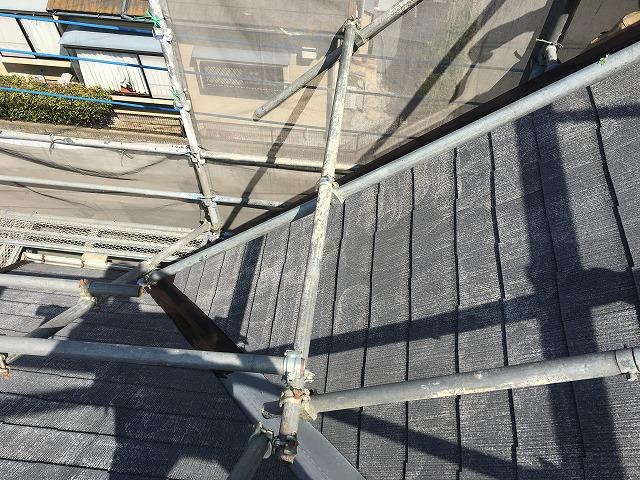 塗装が剥げた状態の屋根