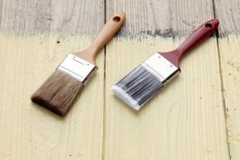 塗装に使う2本のハケ