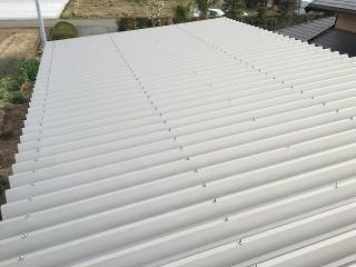 上から見た折半屋根の全景写真