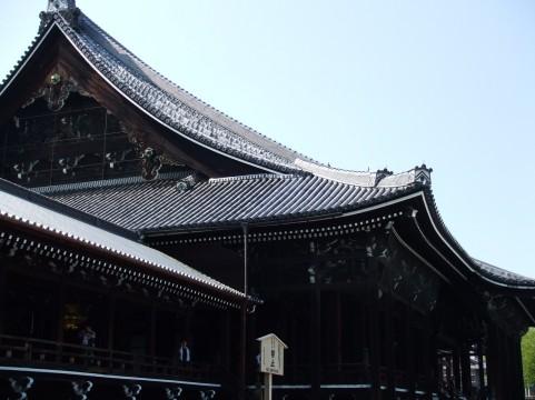しころ屋根を使用した西本願寺