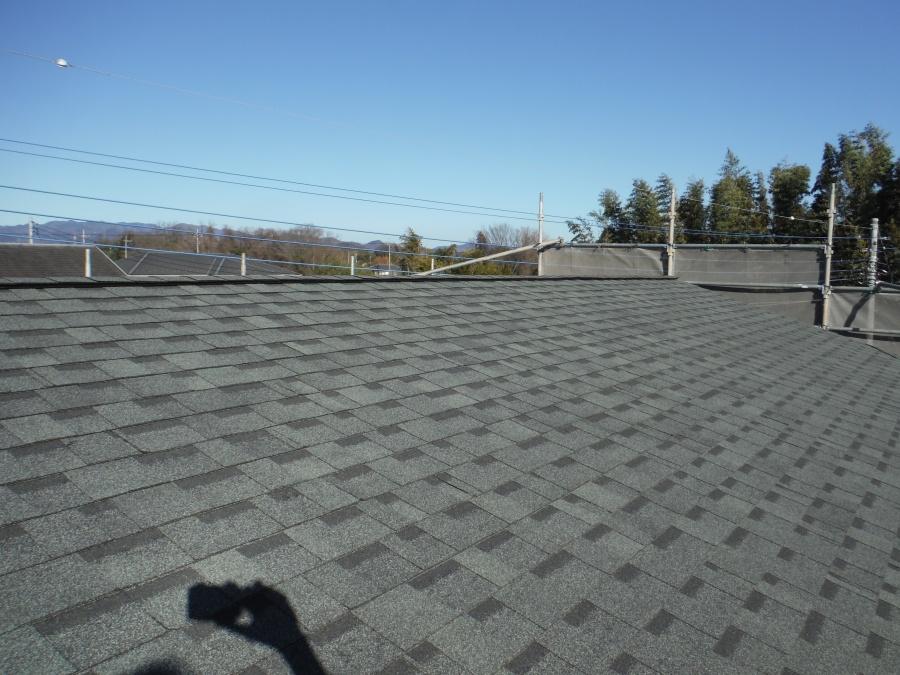 近くで見た屋根葺き工事完工後の写真