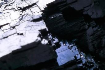 黒色をした天然石
