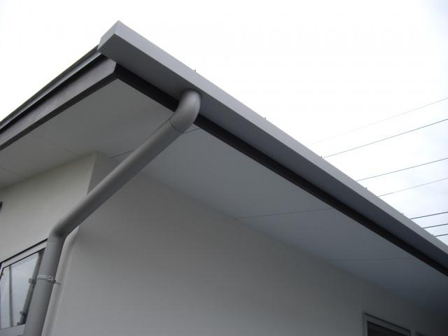 ガルバニウム鋼板の雨樋