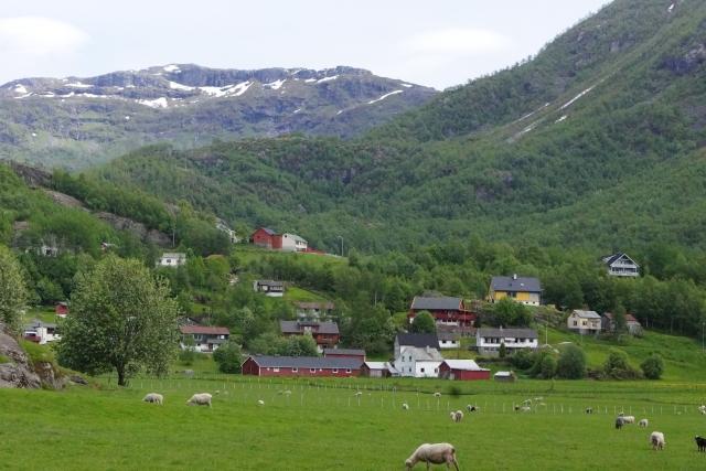 緑溢れるスウェーデンの山村