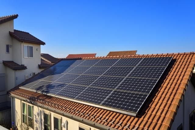 屋根に付いた太陽光