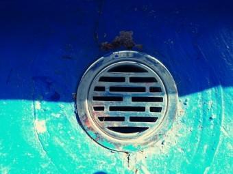 ベランダの丸い排水溝
