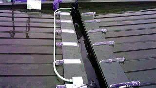 屋根に設置された融雪装置