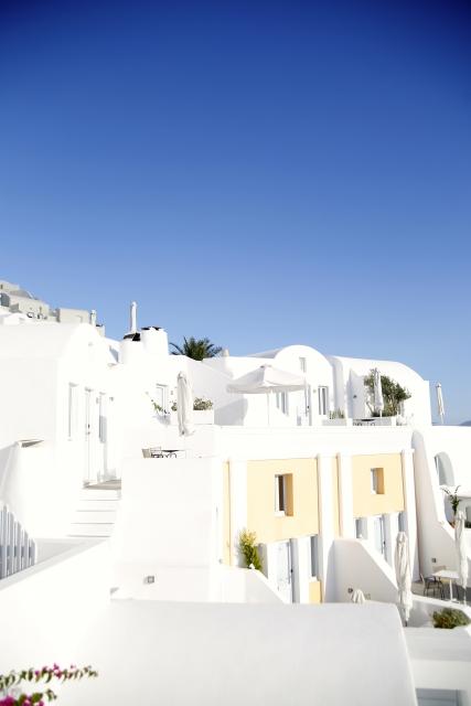 近くで見たギリシアサントリーニ島の白い家