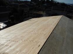 防水紙を貼る前の屋根下地