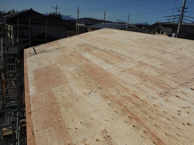 屋根葺き工事施行前の写真