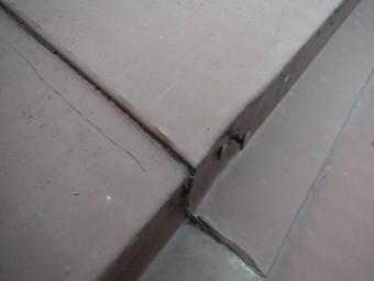 釘の浮いた板金屋根