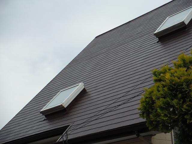 2つの天窓が付いている住宅