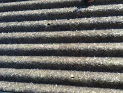 プラスチック製の波板屋根