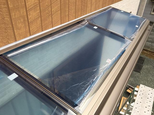 シャイングレーのテラス屋根材
