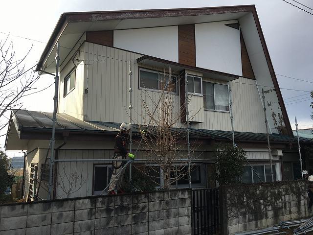 屋根再塗装を行う前橋市のお客様邸
