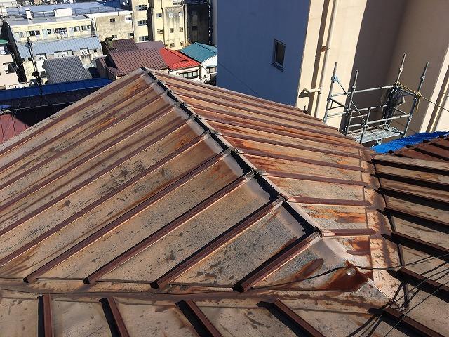 錆びてしまった伊香保町の金属屋根
