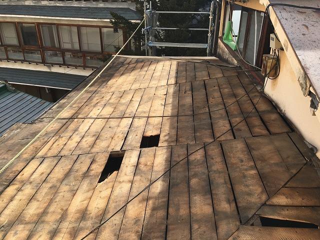 金属屋根を剥がし終えた屋根の下地の状態|伊香保町