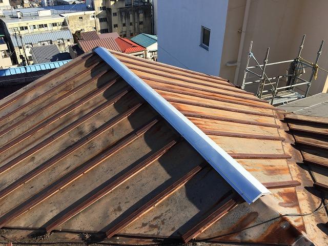 錆びついてしまった金属屋根