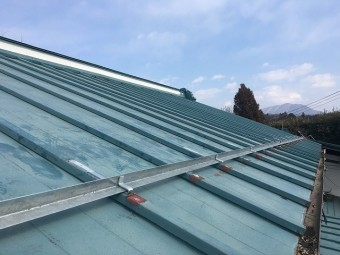 石油製の屋根材