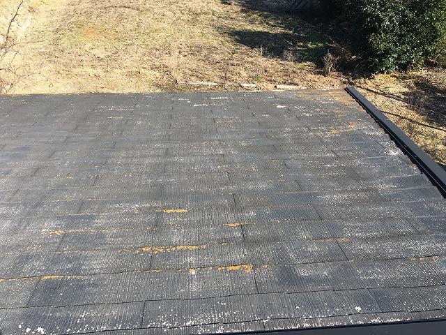 経年劣化により塗装が落ちてしまった屋根