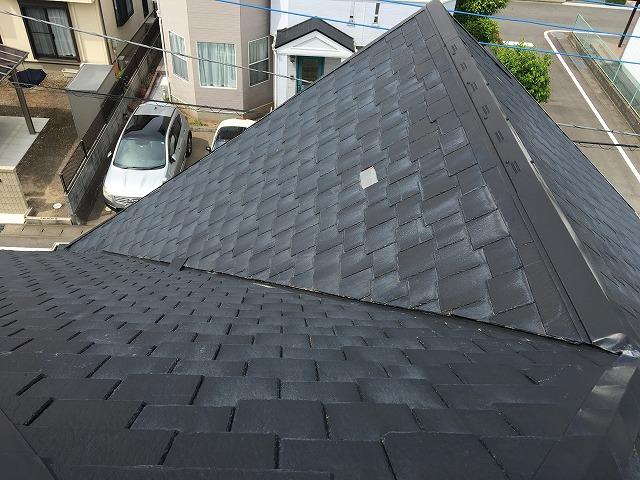 高崎市にてスレート屋根の屋根材の割れの補修を行ってきました