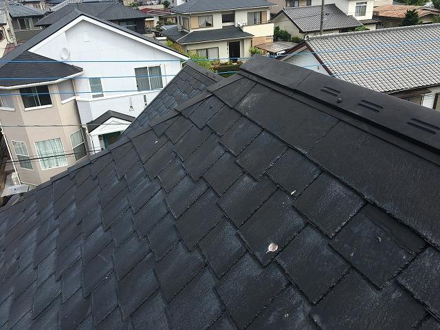 差し替え後の黒色のコロニアル屋根|高崎市