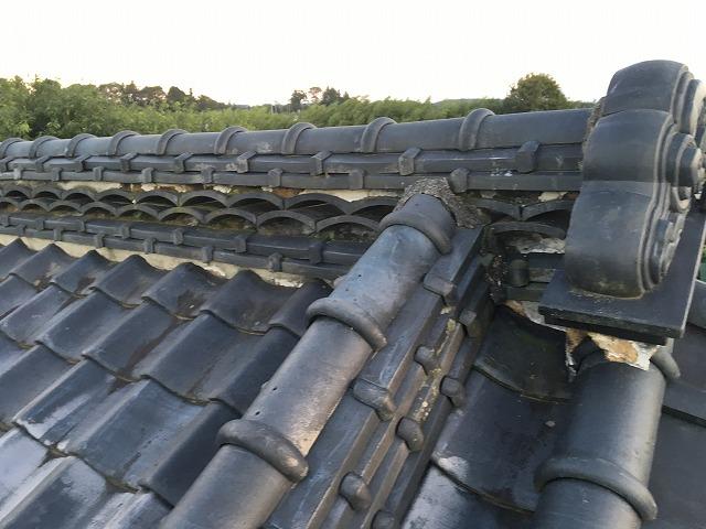 瓦屋根の隅棟部分