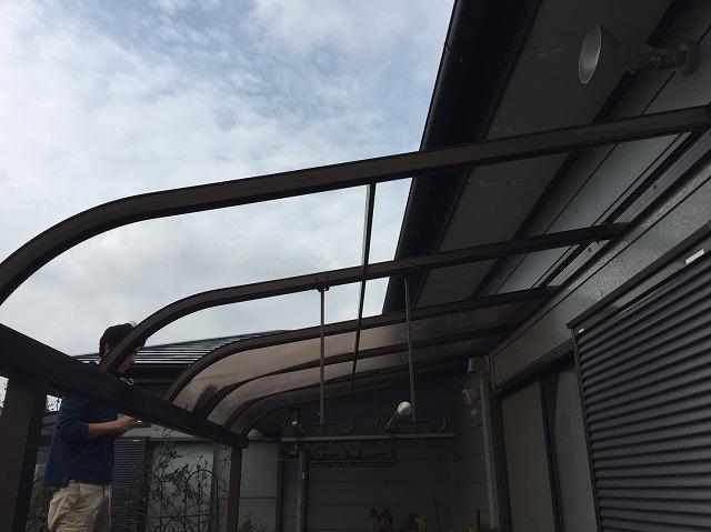 屋根材が飛んで無くなったテラス