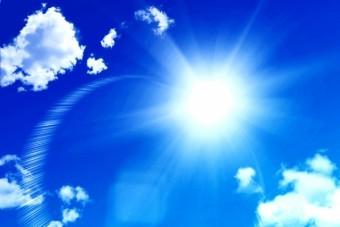 晴れの日の強い日差し