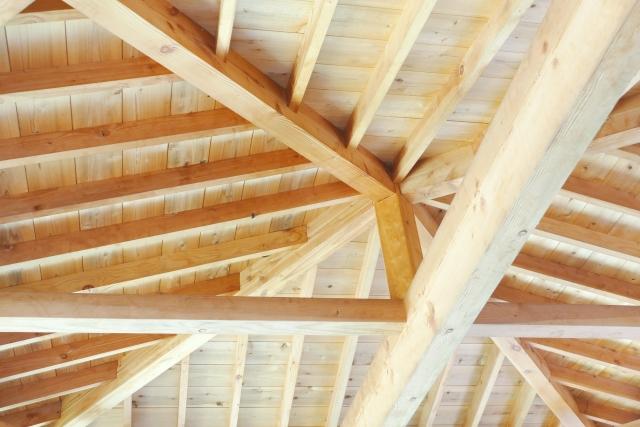 木のお家の屋根裏