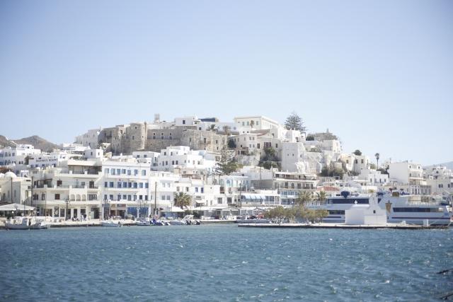 海に囲われたギリシアサントリーニ島
