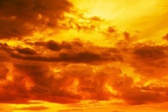夕焼けに染まった空